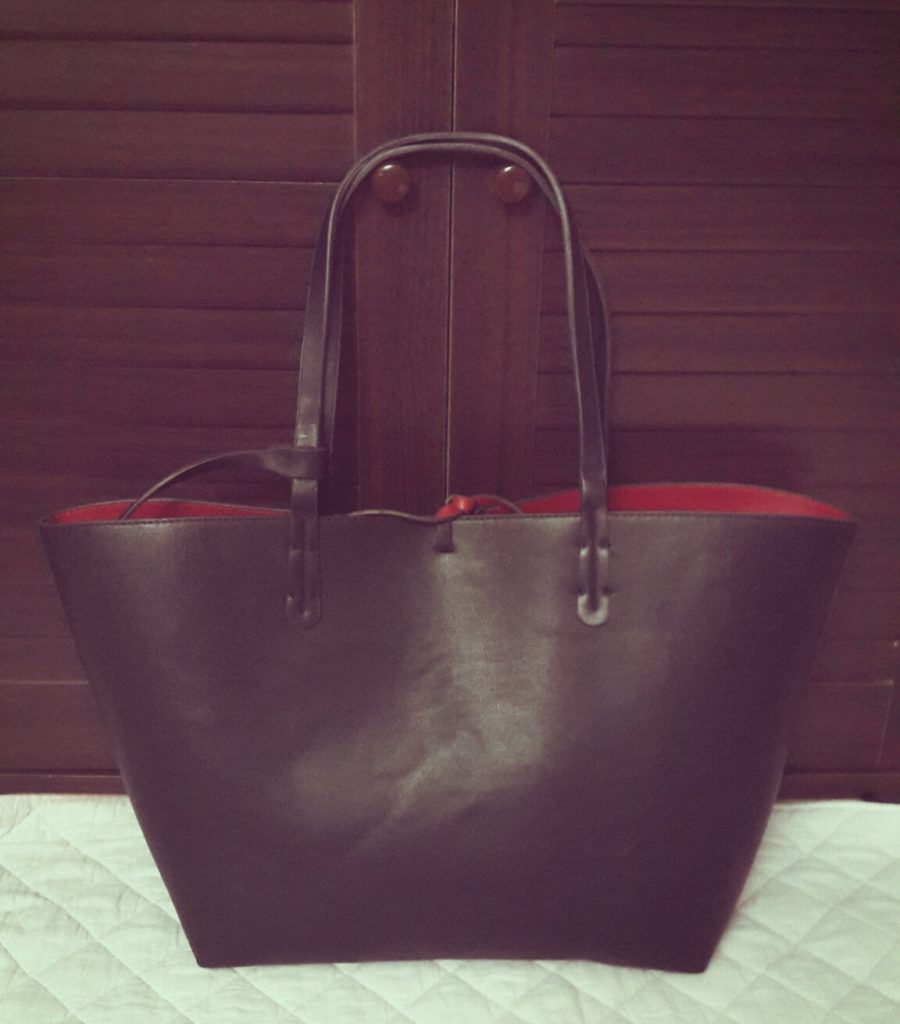 Zara Reversible contrast shopper in Black/red