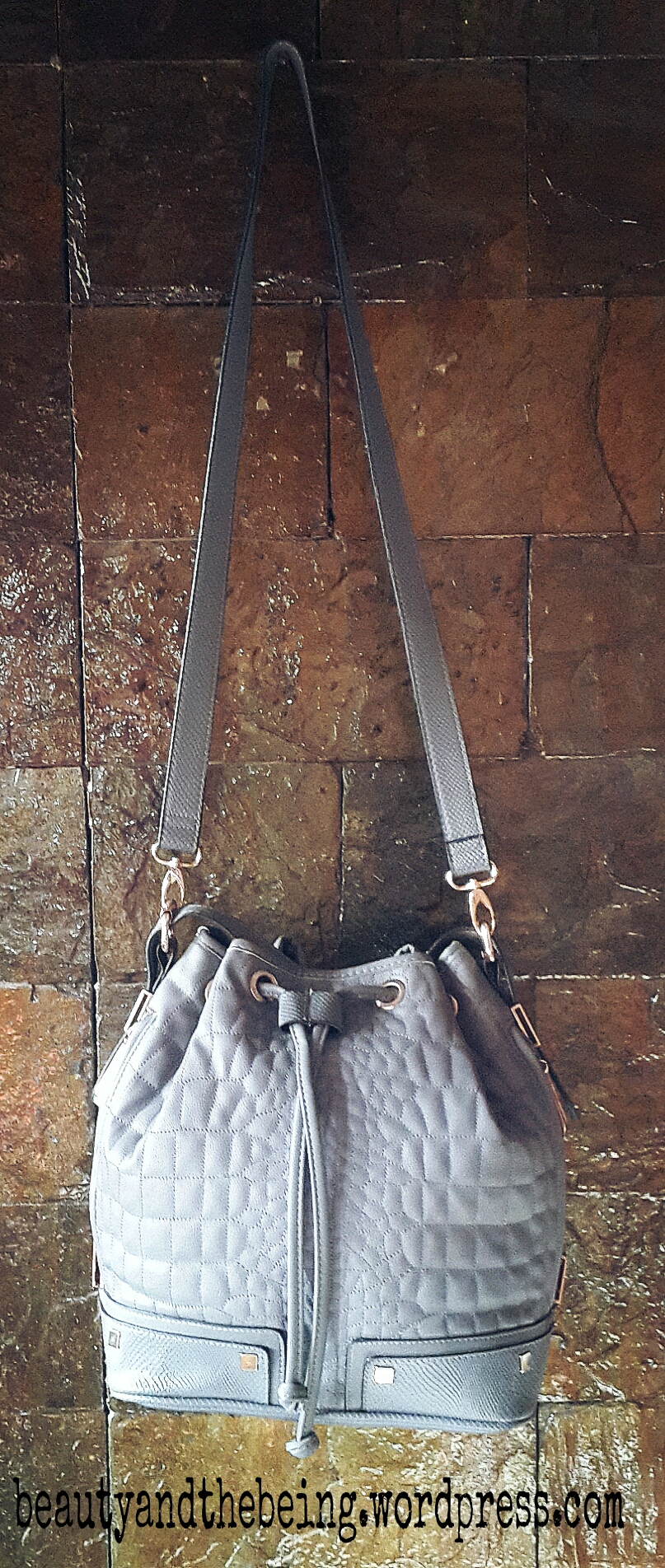 river island grey quilted bucket bag