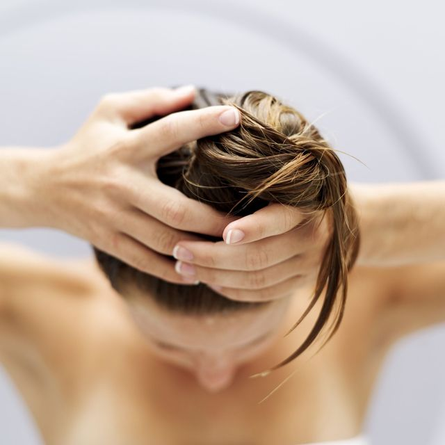 7 Tips to Prevent Hair Loss Naturally